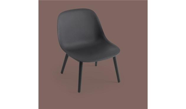 Muuto - Chaise Fiber Lounge - Structure en bois - Noir - Structure noire - 2