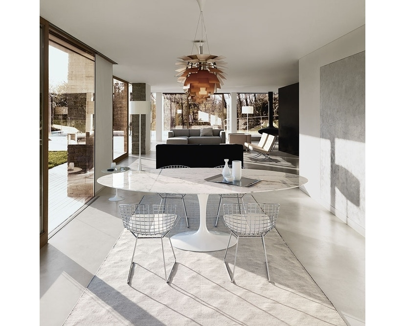 Knoll International - Saarinen Esstisch - oval - 198x121x74 - Laminat weiß - Säulenfuß schwarz - 1