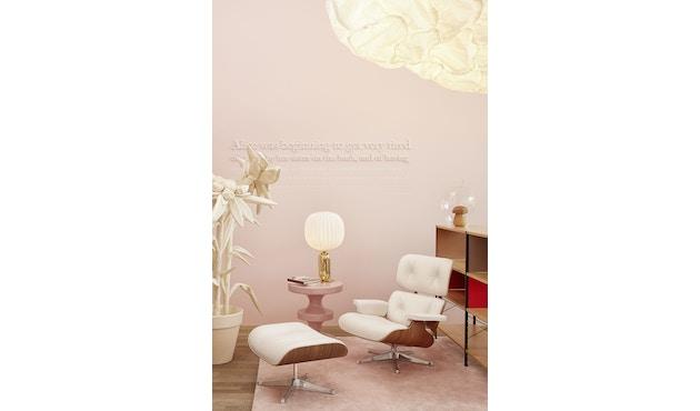 White Lounge Chair & Ottoman