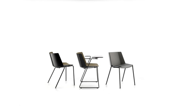 MDF Italia - AÏKU Stuhl - glänzend weiß/mittelblau - 4 runde Beine - 7