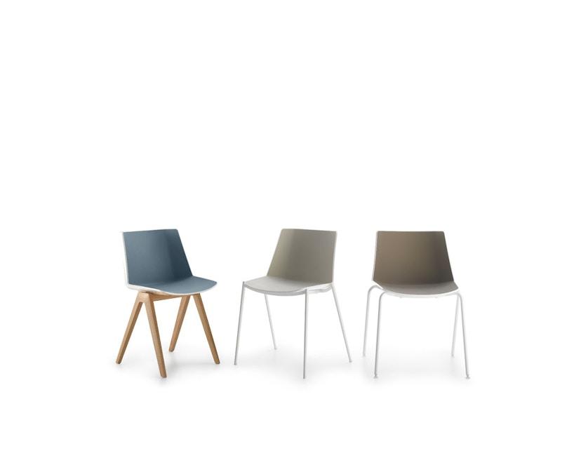 MDF Italia - AÏKU Stuhl - glänzend weiß/mittelblau - 4 runde Beine - 9