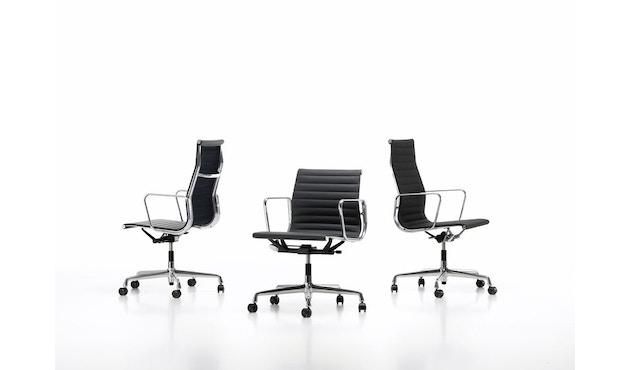 Vitra - Aluminium Chair - EA 124 - 7
