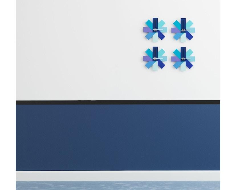 Normann Copenhagen - Watch Me wandklok - blauw - 3
