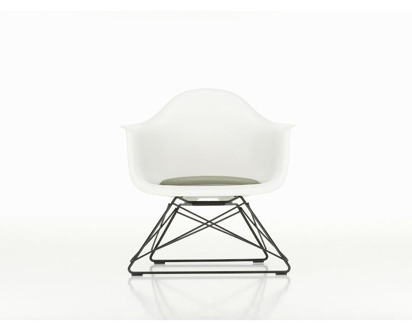 LAR Eames Plastic Armchair mit Sitzpolster