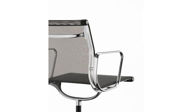 Vitra - Aluminium Chair - EA 104 - 8