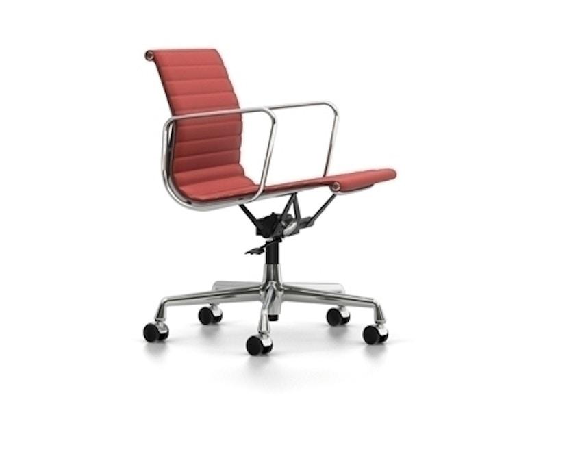 Vitra - Aluminium Chair EA 117, Untergestell poliert, harte Rollen für Teppichboden - Hopsak - 96 rot/cognac - 2