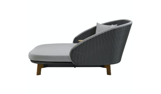 Peacock Daybed