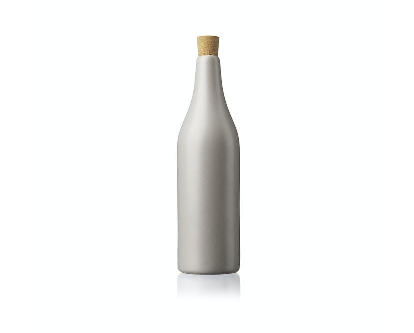 V16 - Kamma Flasche - warmgrau_FDB Møbler_R7B Copenhagen Mette Bache & Barbara Bendix Becker