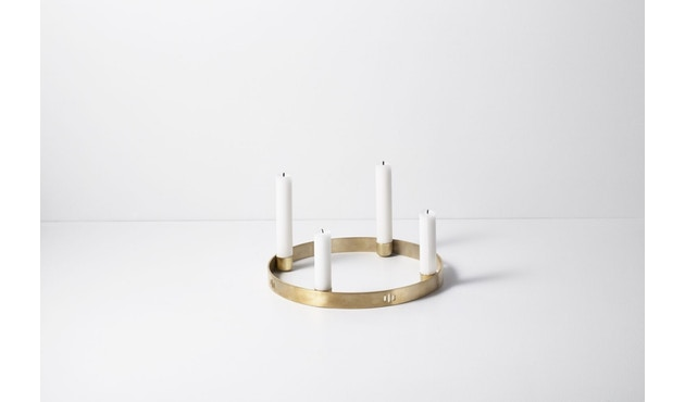ferm LIVING - Circle Kerzenhalter - Klein - messing - 3