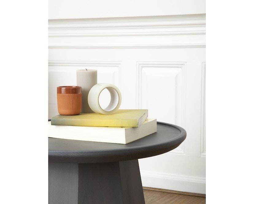 Normann Copenhagen - Pine Beistelltisch - Ø 65 cm - dark grey - 3