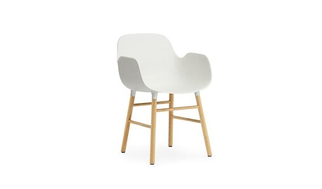 Normann Copenhagen - Form Armlehnstuhl mit Holzgestell - weiß - Eiche - 1