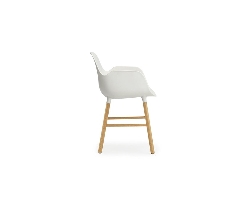 Normann Copenhagen - Form Armlehnstuhl mit Holzgestell - weiß - Eiche - 3