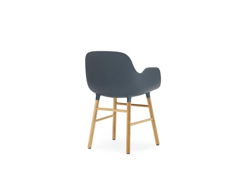 Normann Copenhagen - Form Armlehnstuhl mit Holzgestell - blau - Eiche - 4