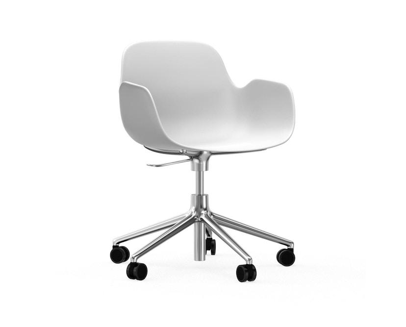 Normann Copenhagen - Form Drehsessel mit Rollen - Gestell Aluminium - White - 1