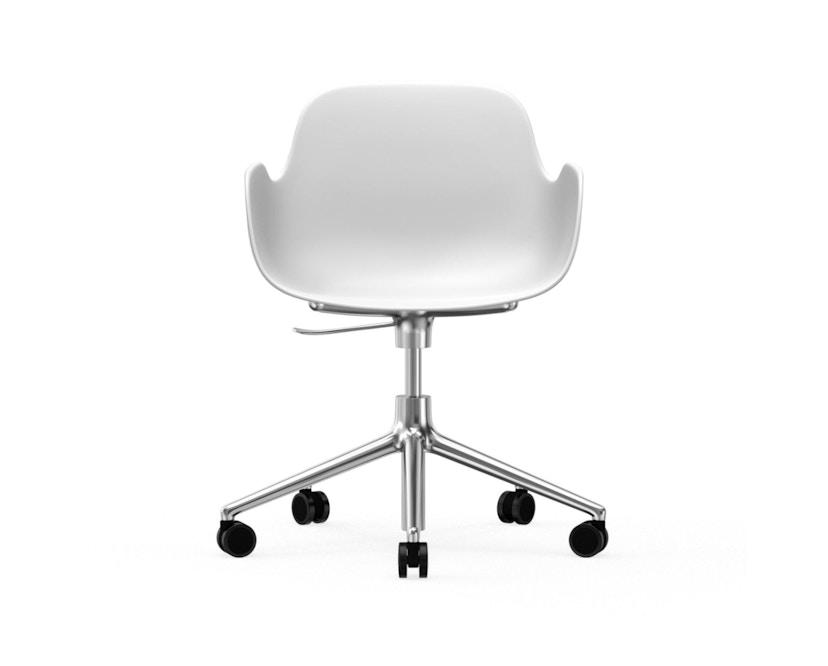Normann Copenhagen - Form Drehsessel mit Rollen - Gestell Aluminium - White - 2