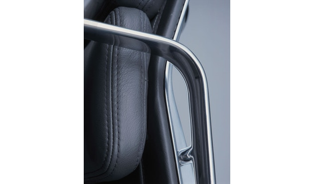 Vitra - Aluminium Chair - Soft Pad - EA 223 - Hocker - 14