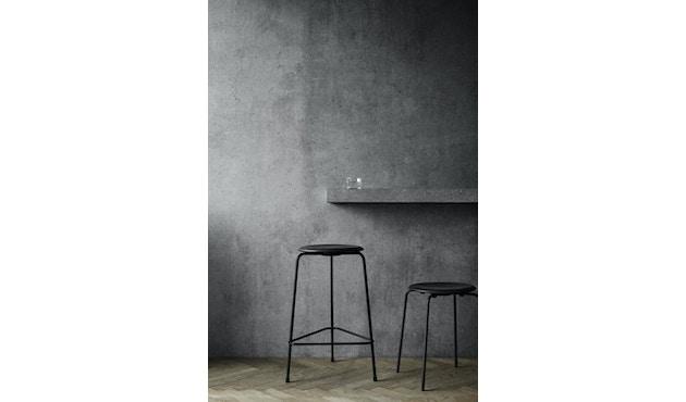 High Dot Simple Seating