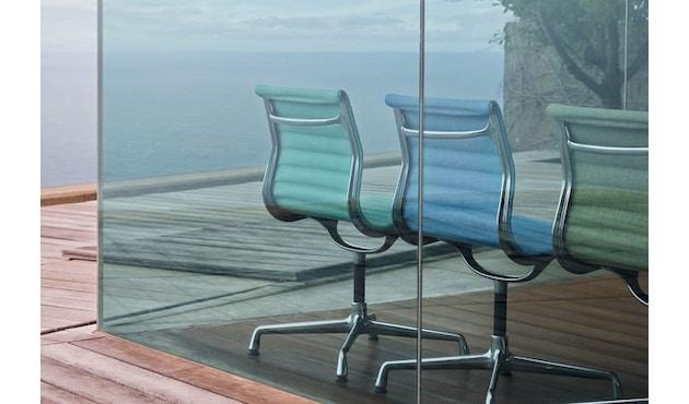 Vitra - Aluminium Chair - EA 101 - 13