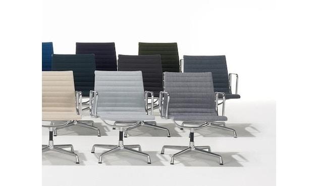 Vitra - Aluminium Chair - EA 103 - 13