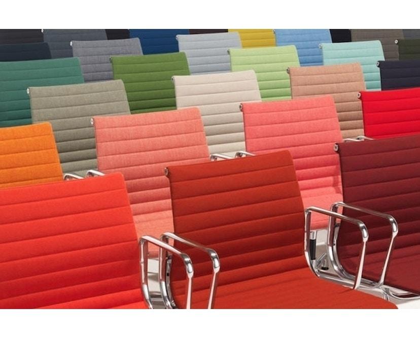 Vitra - Aluminium Chair - EA 101 - 22