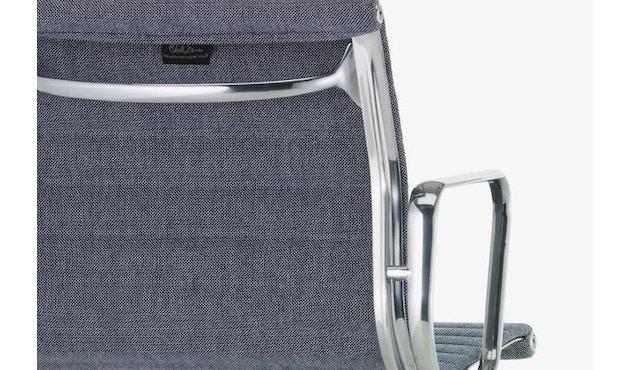 Vitra - Aluminium Chair - EA 103 - 5
