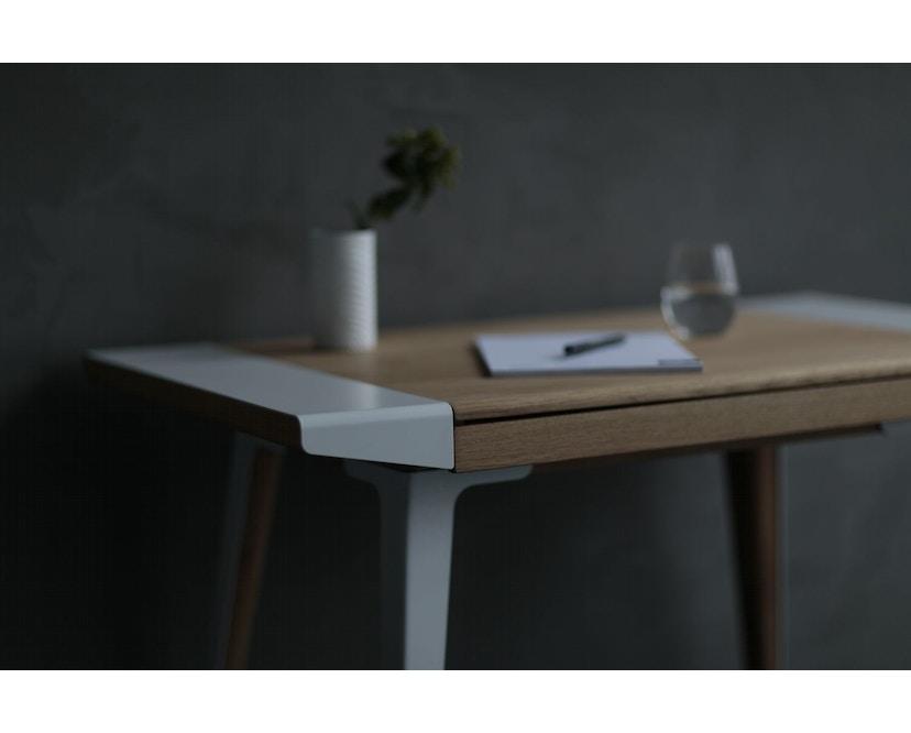 UMAGE - Ambitions Schreibtisch - Eiche dunkel - 10