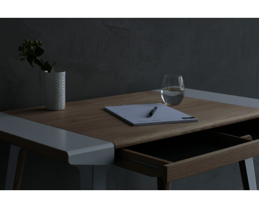 UMAGE - Ambitions Schreibtisch - Eiche dunkel - 11