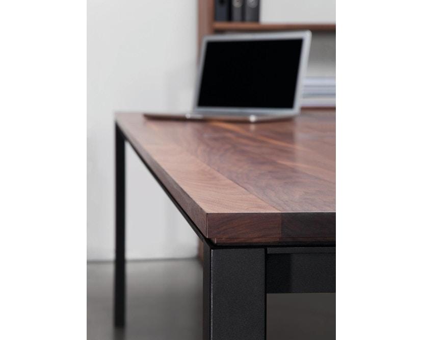 Janua - S 600 Tisch - Stefan Knopp - Eiche geköhlt (Ton schwarz) - Gestell Tiefschwarz - 80x80 - 3