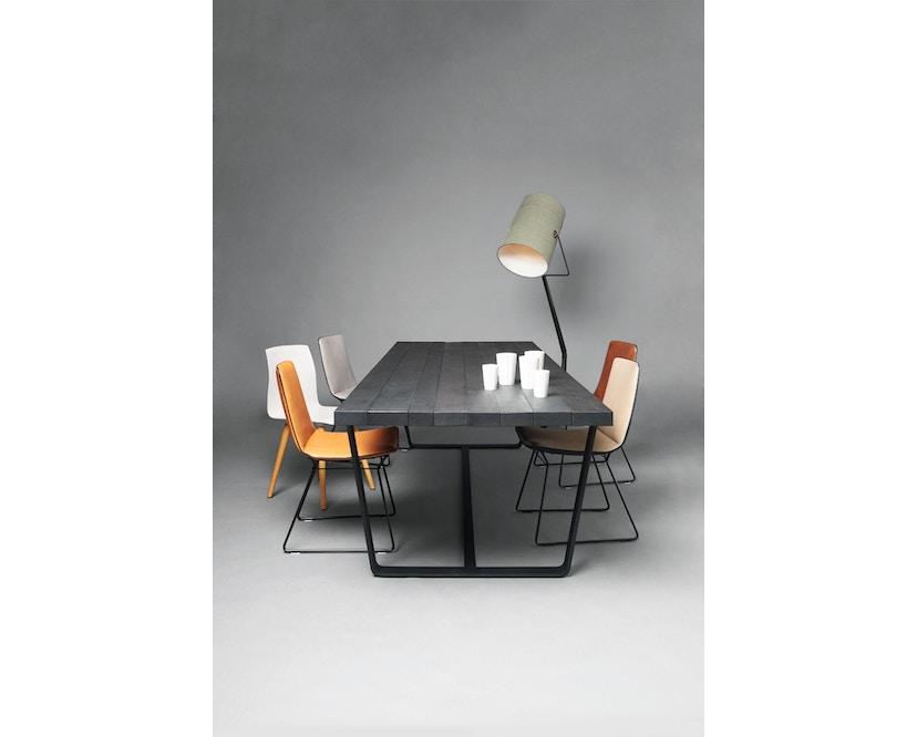Janua - BB 11 Clamp Tisch - Stefan Knopp - Eiche geköhlt (Ton schwarz) - Gestell Tiefschwarz - 180x95 - 2