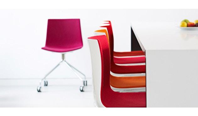 Arper - Catifa 46 Stuhl 0355  - einfarbig weiß - Gestell Eiche natur - 3