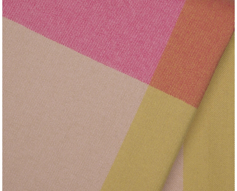 Vitra - Colour Block Decke - pink - beige - 6
