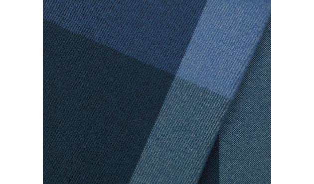 Vitra - Colour Block Decke - schwarz - blau - 6