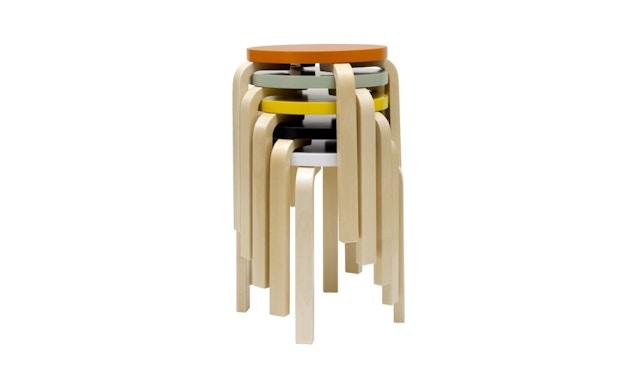 Artek - E60 Hocker - Gestell Birke - Sitz orange lackiert - 2