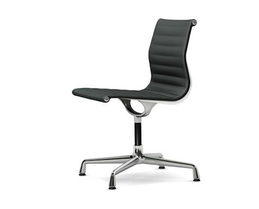 Vitra - Aluminium Chair - EA 101, Gestell verchromt, Gleiter Teppichboden - 05 dunkelgrau - 1