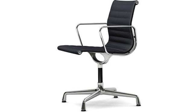 Vitra - Aluminium Chair - EA 103, Gestell poliert, Gleiter Teppich - 66 nero - 1