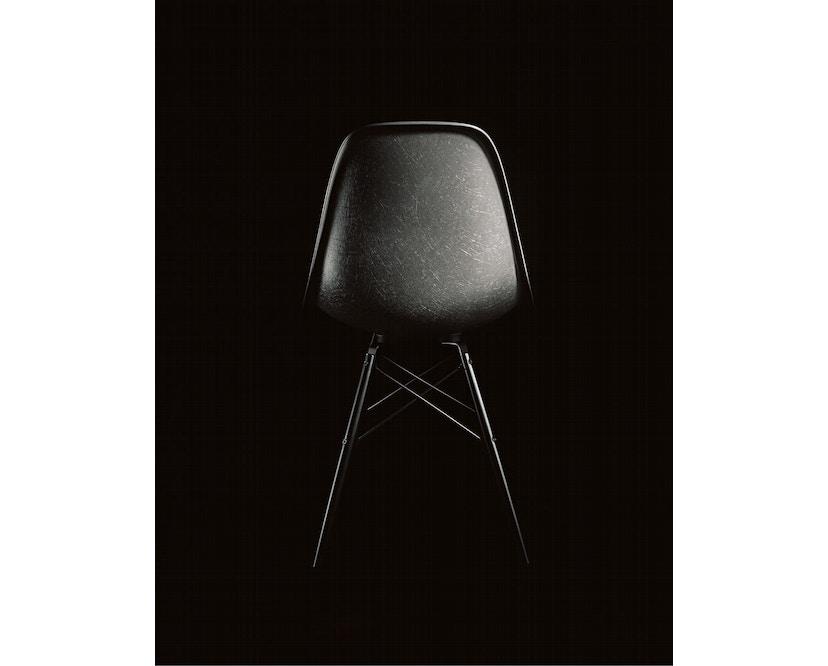Vitra - Eames Fiberglass Side Chair DSR, Gestell 01glanzchrom, 05Filzgleiter Hartboden - 04 Eames Elephant Hide Grey - 2