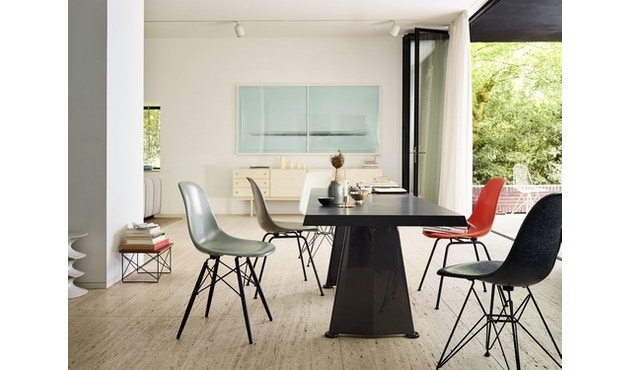 Vitra - Eames Fiberglass Side Chair DSW - 2