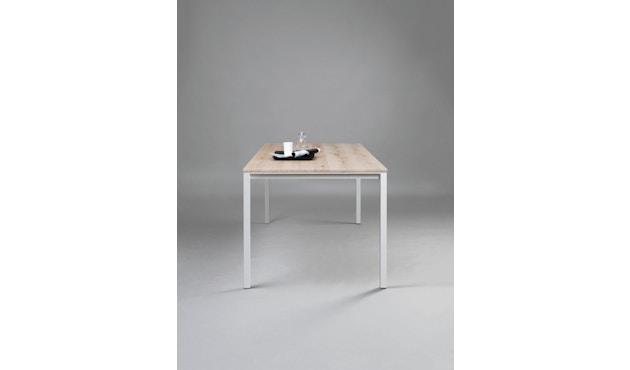 Janua - S 600 Tisch - Eiche weiß pigmentiert - Gestell Verkehrsweiß - 80x80 - 4