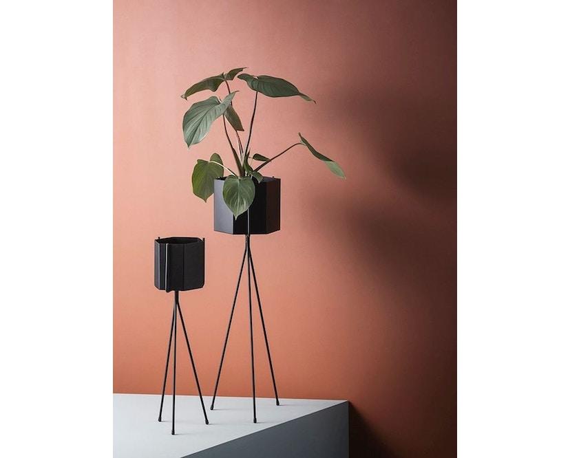 ferm LIVING - Hexagon Pot - Black - XL - 1