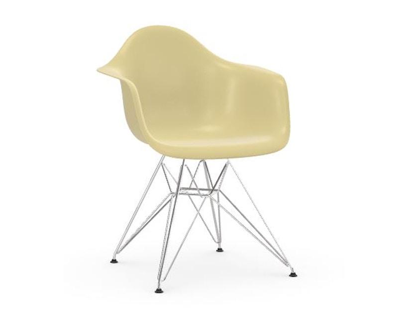 Eames Fiberglass Chair DAR
