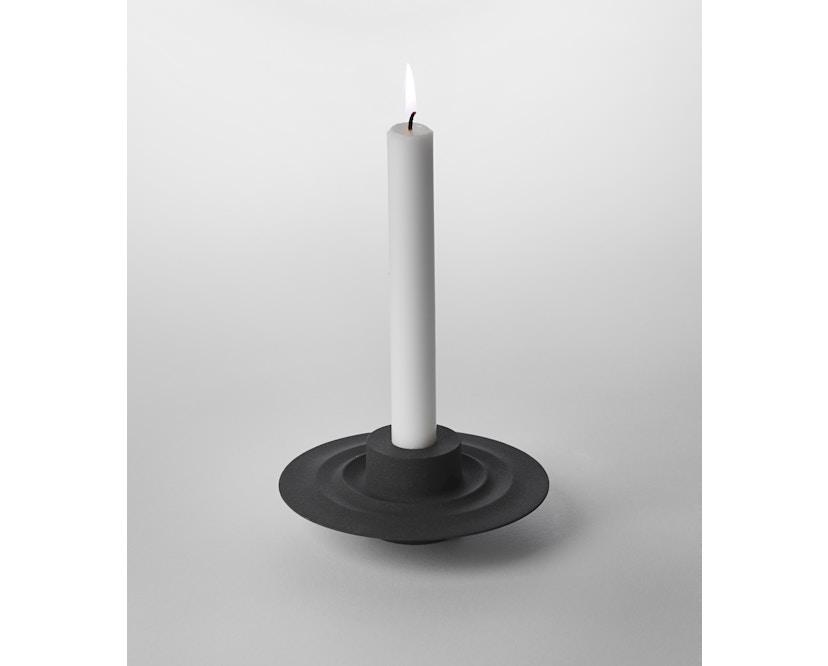 Design House Stockholm - Flip Kerzen- und Teelichthalter - schwarz - 1