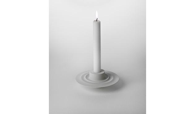 Design House Stockholm - Flip Kerzen- und Teelichthalter - weiß - 1