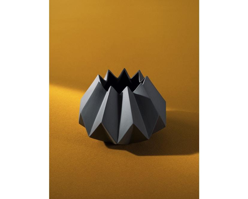 Menu - Folded Vase - carbon - klein - 2