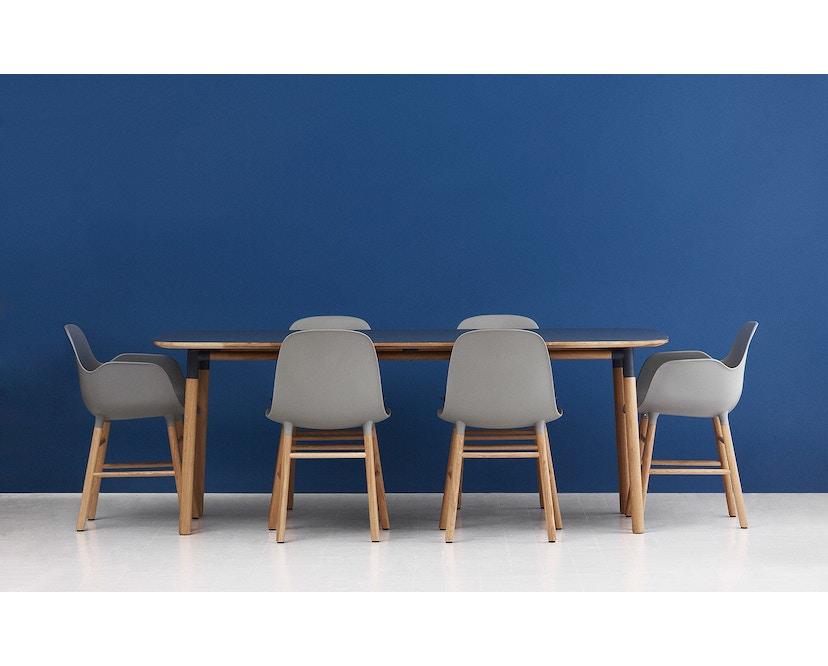 Normann Copenhagen - Form Armlehnstuhl mit Holzgestell - weiß - Eiche - 6