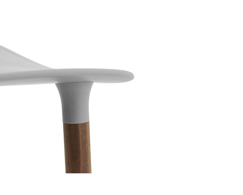 Normann Copenhagen - Form Stuhl mit Holzgestell - 7