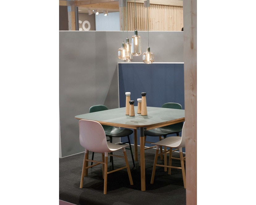 Normann Copenhagen - Form stoel met metalen frame - zwart - 9
