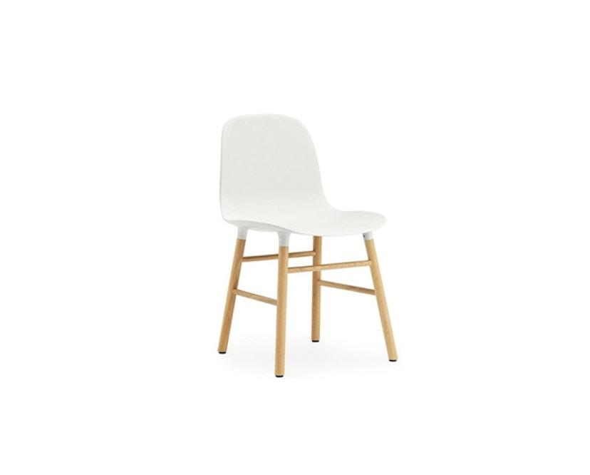 Normann Copenhagen - Form Stuhl mit Holzgestell - weiß - Eiche - 1