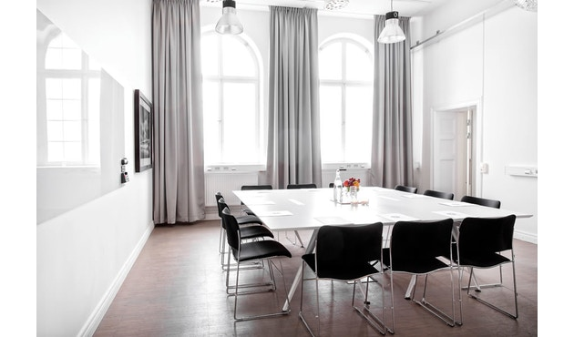 Randers + Radius - GRIP Basic tafel - 239 - 80 cm - wit - Zonder stekkerdoos - zwart - 21