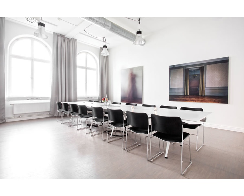 Randers + Radius - GRIP Basic tafel - 239 - 80 cm - wit - Zonder stekkerdoos - zwart - 22