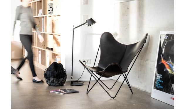 Manufakturplus - Butterfly Chair Hardoy - 80 Jahre Sonderedition - rotes Gestell - rote Naht - 7